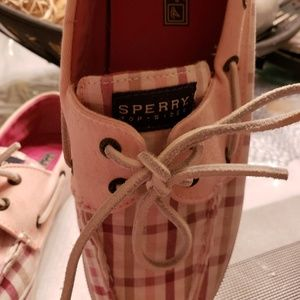 Sperry Shoes - Price Reduced Sperry Top Sider sneakers